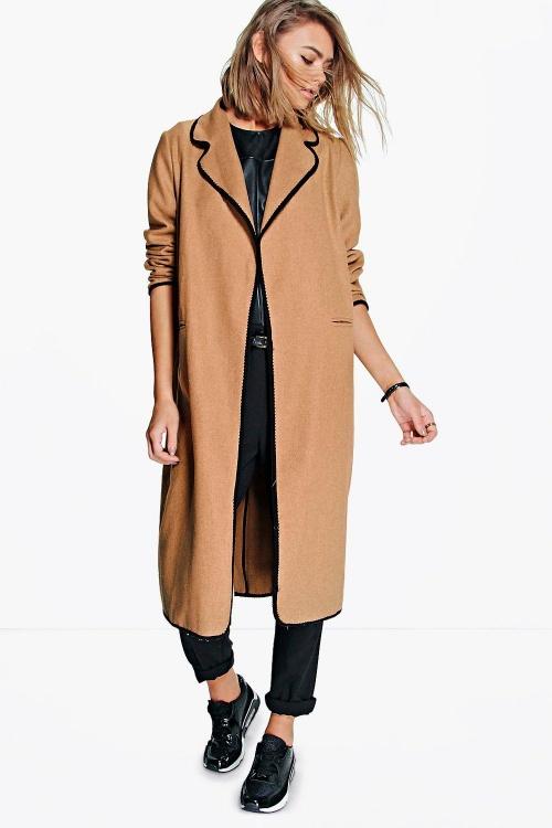 Boohoo  manteau beige et bordures noires