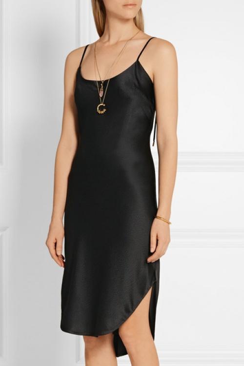 Mayet robe noire satin