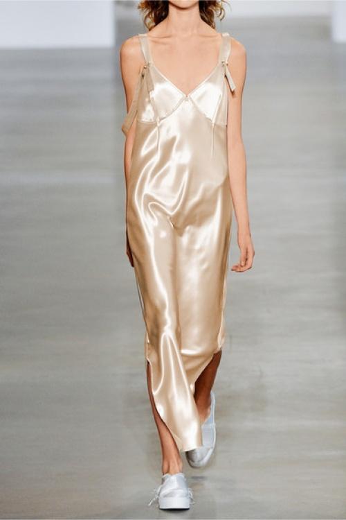 Calvin Klein  robe satin nude