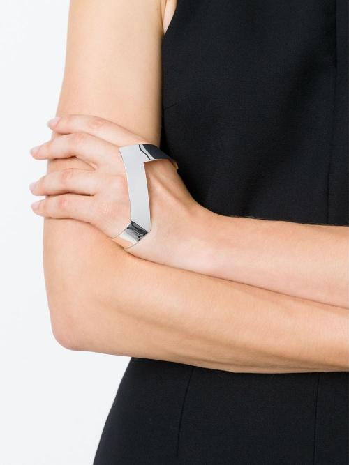 Vibe Harslof bracelet de main