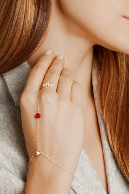 Alison Lou  bracelet de main