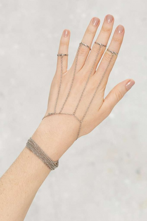 Ring Trouble bijou de main