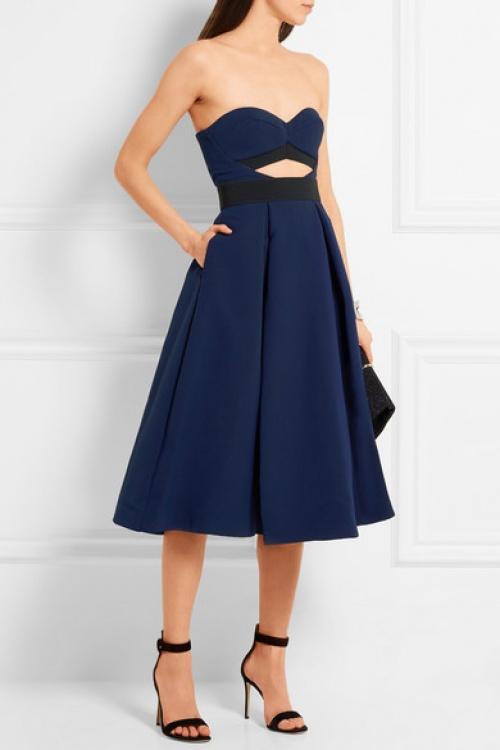 Self Portrait robe ajourée bleu et noire