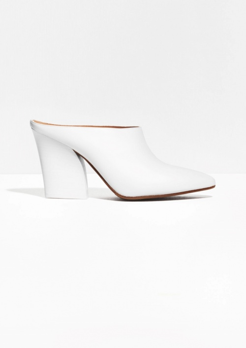 & Other Stories mules blanches