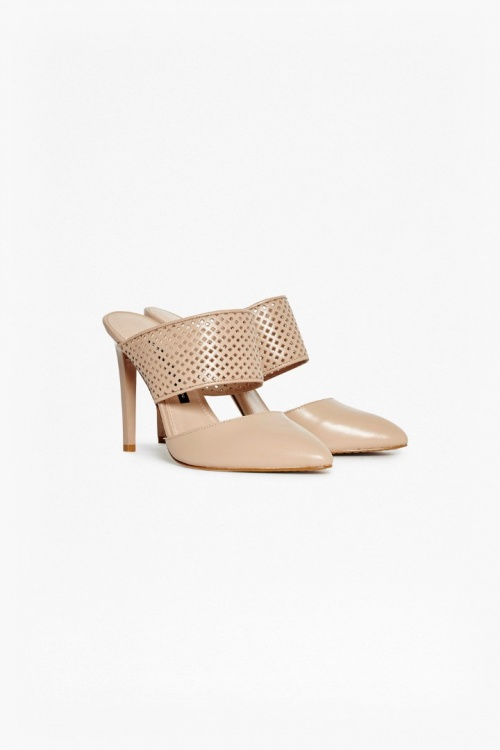French Connection mules nude ajourées