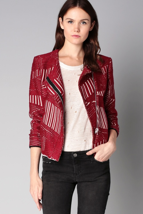 Iro  veste rouge et blanche