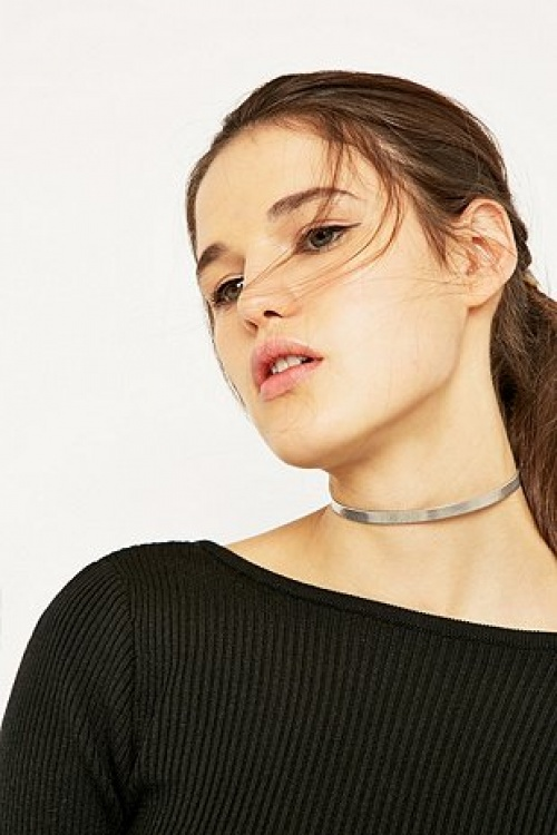 Urban Outfitters collier ras du cou argent