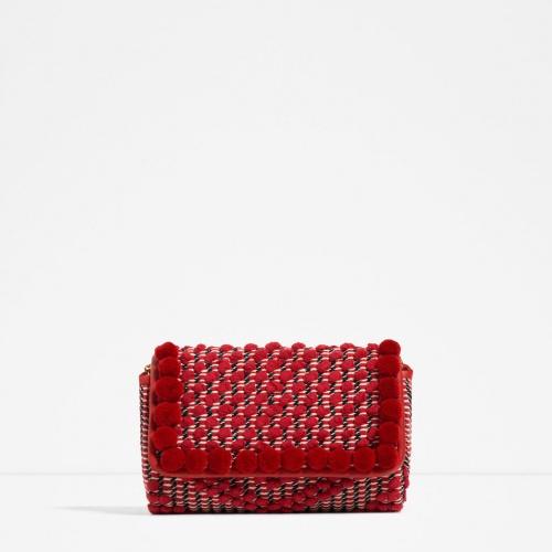 zara pochette rouge pompons