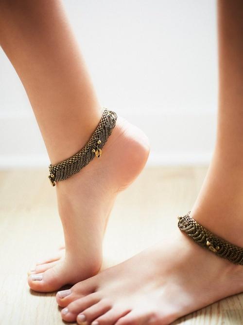 Free People bracelet de cheville très sobre