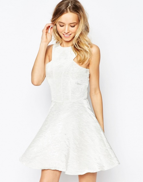AX Paris robe blanche patineuse
