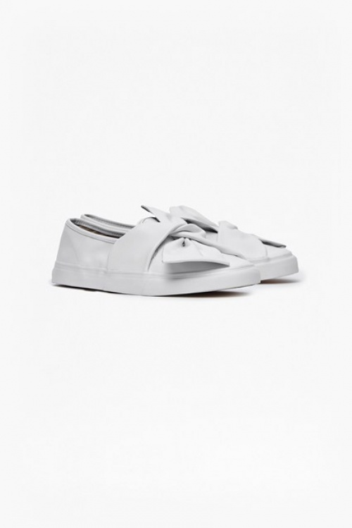 French Connection slip on blanches noeud