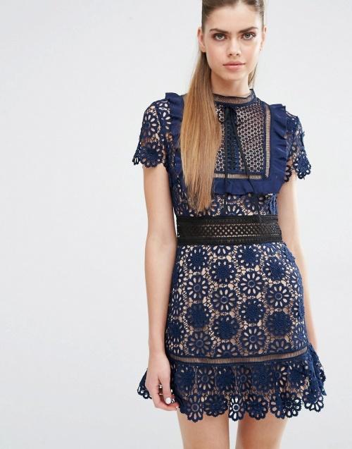 robe bleue dentelle fleur