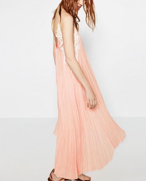 Zara - Robe maxi robe dentelle et rose