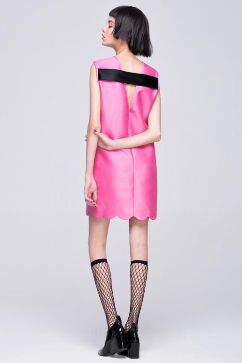 Front Row Shop robe dos V rose et noire