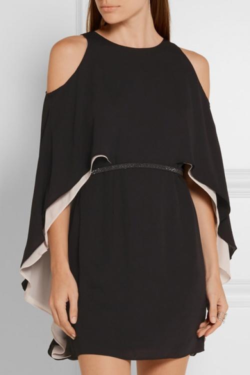 robe cape noire