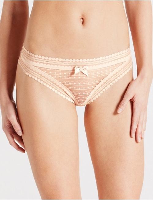 lingerie tanga rose dentelle