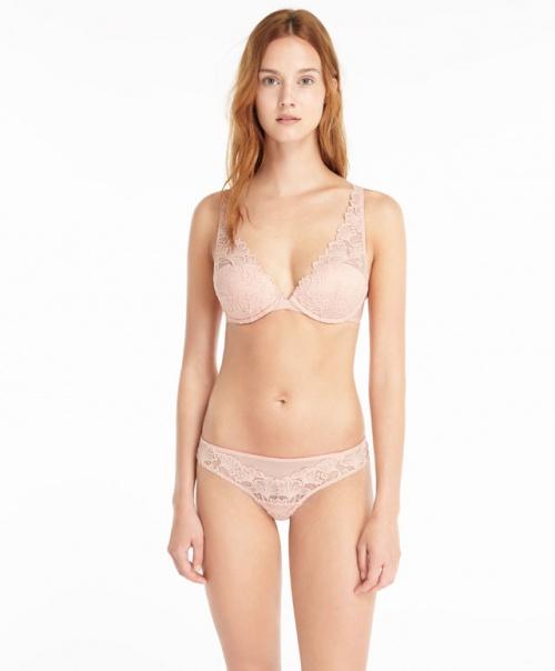 ensemble lingerie dentelle rose