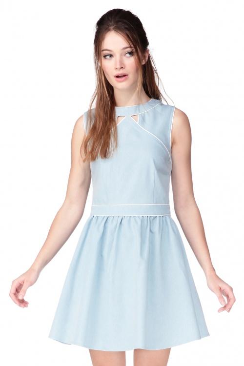 Kling robe patineuse bleu ciel découpe