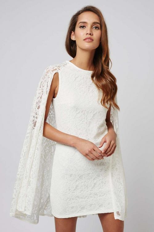 robe dentelle blanche cape
