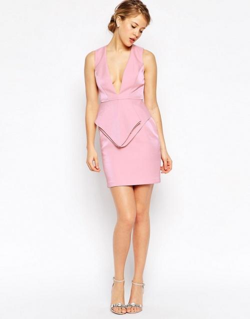 Asos robe rose bonbon décolleté profond