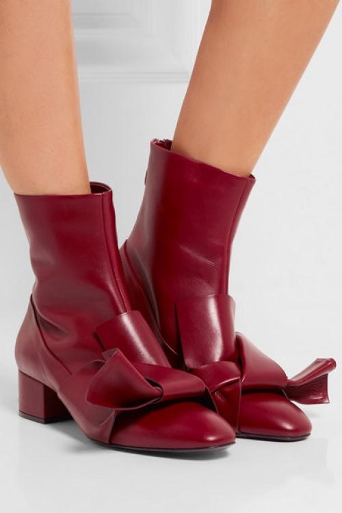 No.21 - Boots