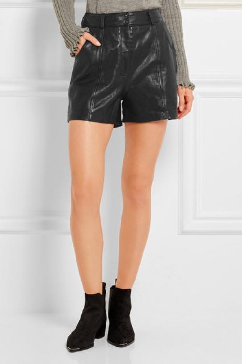 Maje short cuir noir
