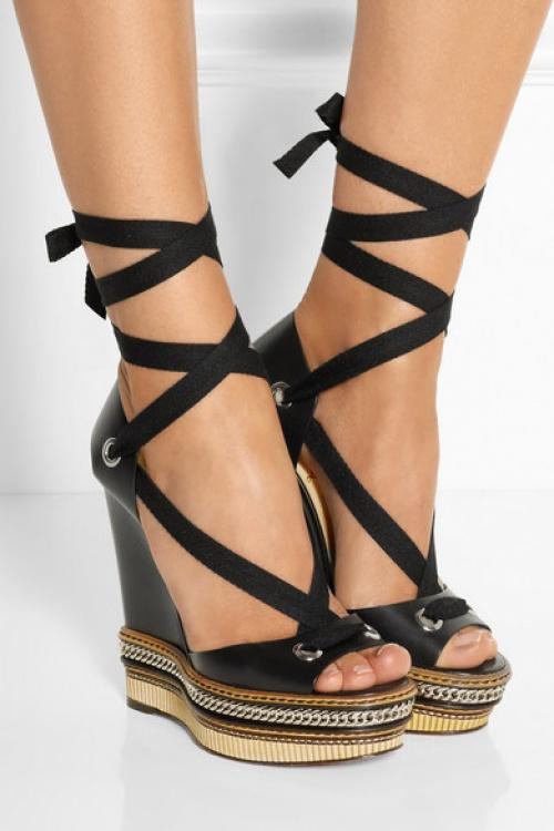 Christian Louboutin  sandales compensées noires
