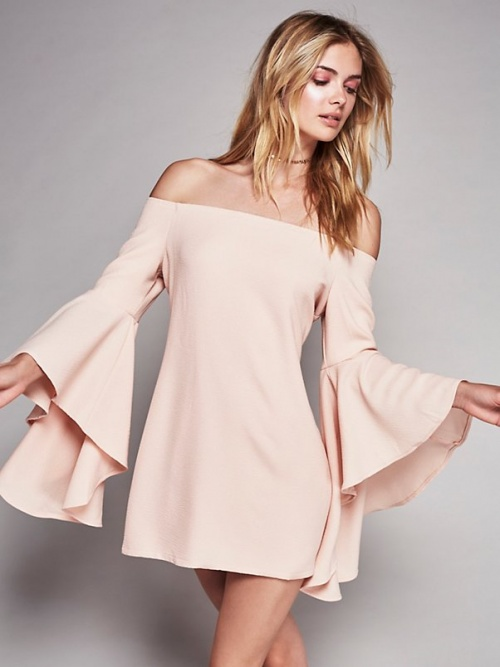 Free People - Robe rose col bardot manches cloches