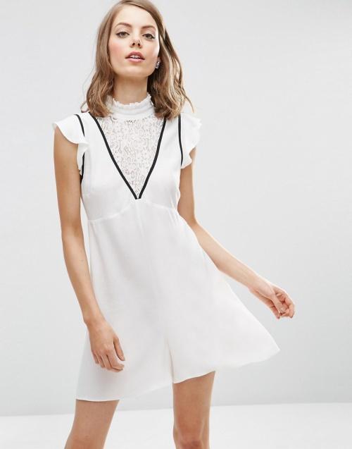 Asos - Robe blanche sportswear dentelle
