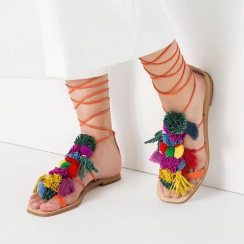 Zara sandales de plage pompon et franges