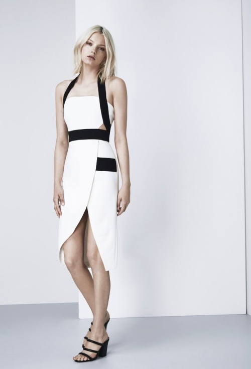 Finders robe blanche découpes taille