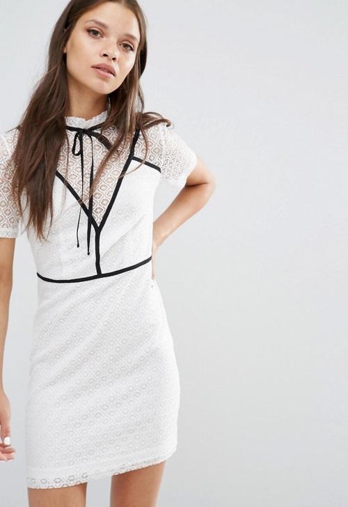 Fashion Union robe dentelle blanche et détails noirs