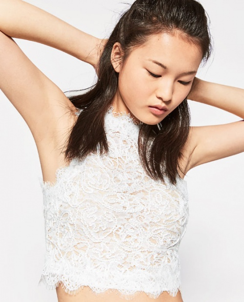 Zara cropped top blanc brodé