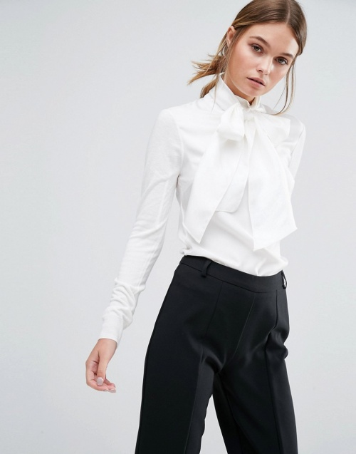 Ted Baker - Pull blanc col lavallière