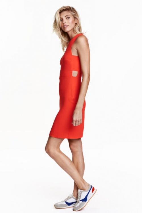 H&M robe rouge découpes