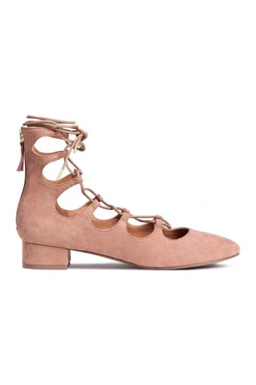 H&M  chaussures plates à lacets