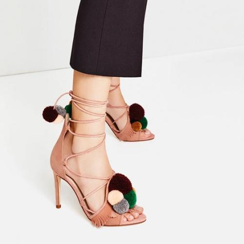 Zara - Sandales à pompons