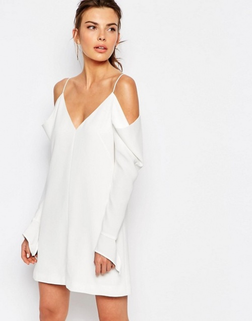 C/Meo robe blanche épaules nues