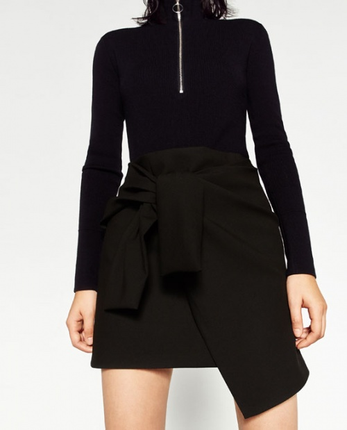 Zara mini jupe à nouer noire