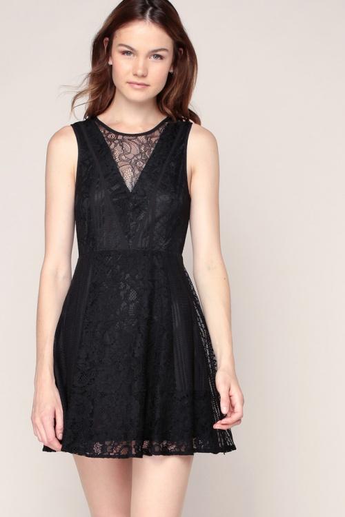 BCBGeneration robe courte noire dentelle