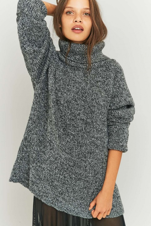 Light Before Dark pull gris oversize