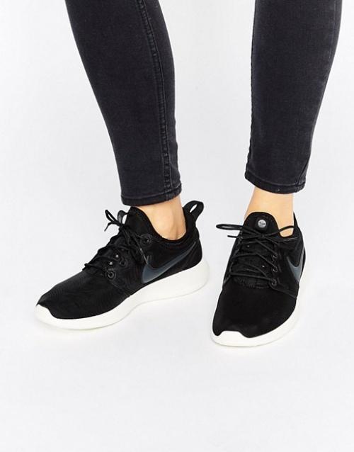 Nike - Baskets noires roshe 2