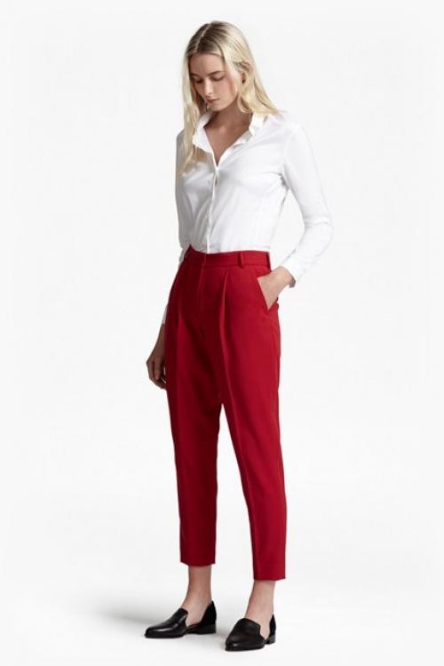 French Connection pantalon rouge vif