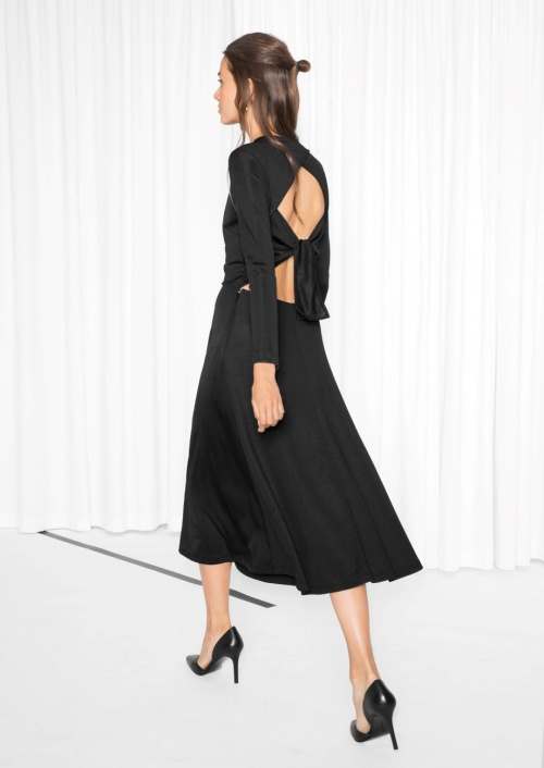 & Other Stories robe noir dos ouvert noeud