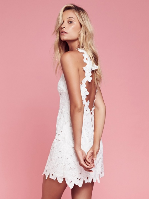Free People  robe dos nu dentelle blanche