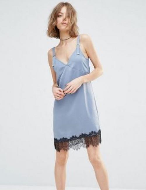 First & I - robe nuisette bordée de dentelle