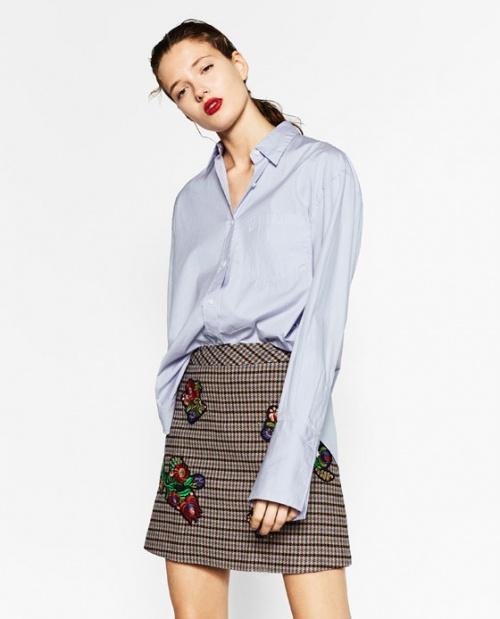 Zara mini jupe carreaux et fleurs brodées
