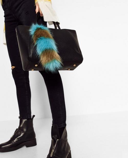 Zara - porte-clés fausse fourrure