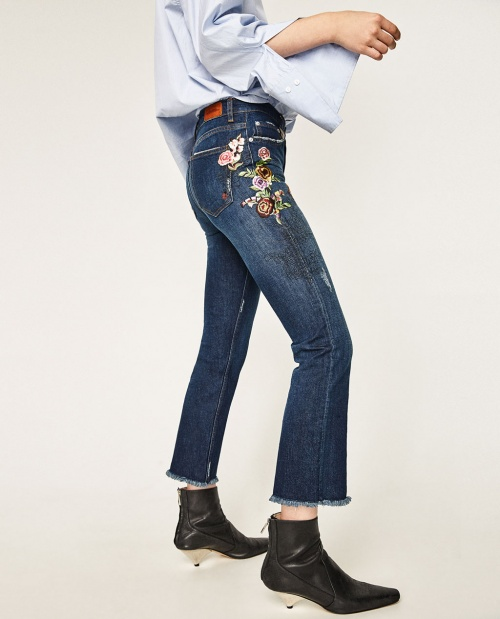Zara - jean bootcut frangé et brodé