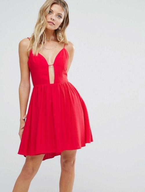 Majorelle  robe rouge décolleté profond